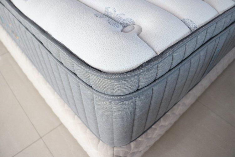 Five star hotel pocket spring mattress king latex